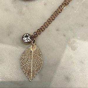 NWT Swarovski Crystal Leaf Pendant Necklace